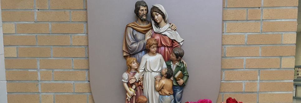 Three dimensional model of the Holy Family.